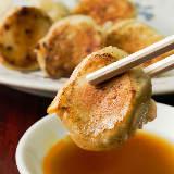 ご当地餃子が絶品! 長崎ちゃんぽんの名店『來來來』で味わう一口餃子がウマすぎて箸が止まらない