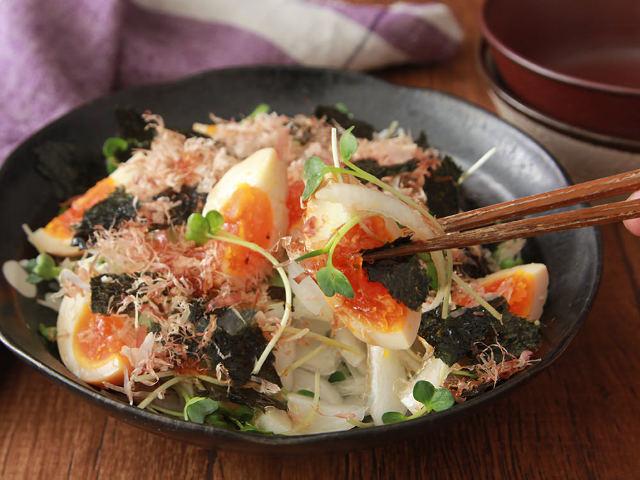 「卵」×「春野菜」で栄養満点サラダ作り! たった10分で作れる、卵が主役の簡単サラダレシピ3選