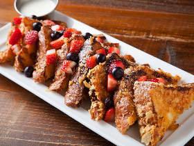 フレンチトーストが絶品!LAの大人気店『ブルージャムカフェ』がメニューも雰囲気もそのままに日本初上陸