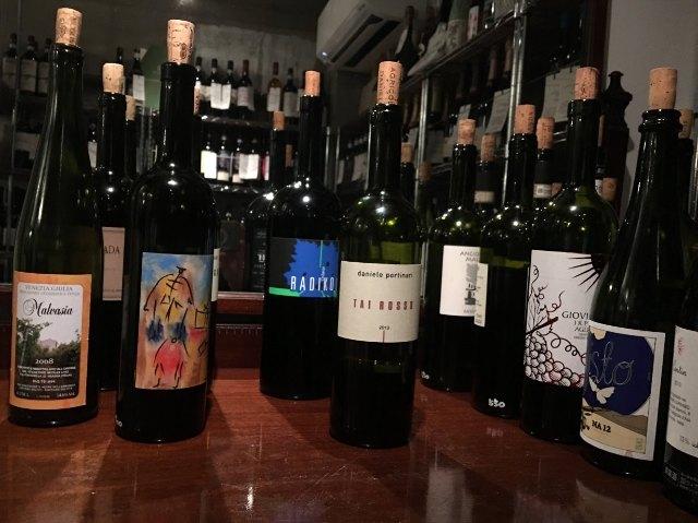 グラス1杯から軽食まで、しかもワインも買って帰れる。ヴィネリアでワインと親しくなろう【三軒茶屋】