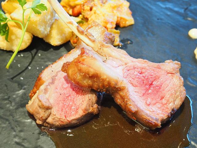 ジューシーなラム肉に悶絶! 1年に1度しか採れない「幻の塩」を使ったオーストラリア料理の店が誕生