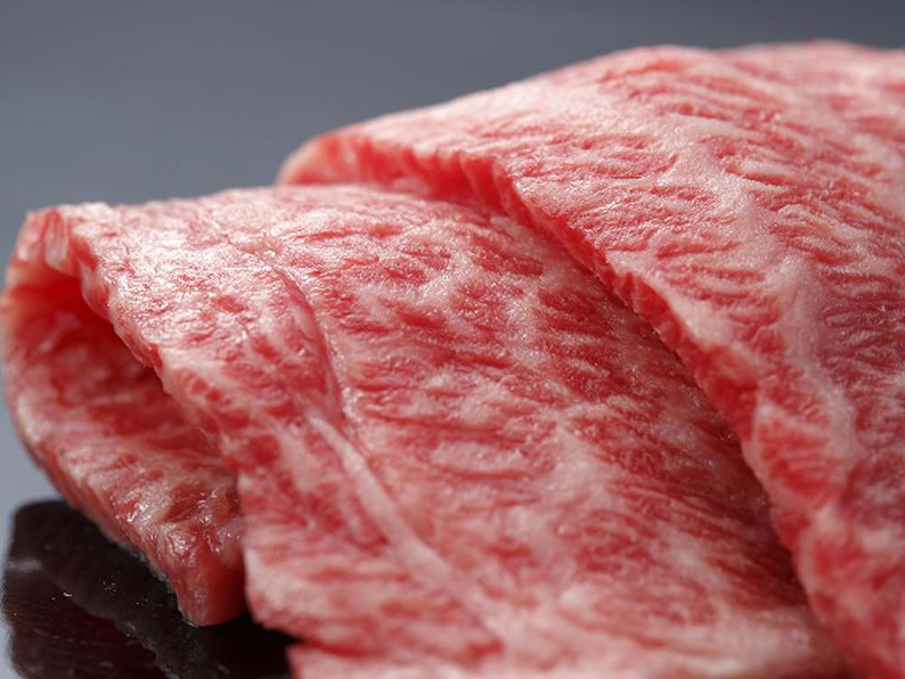融点21.3℃という驚異の口どけ! 牧場が開いた、ジューシーすぎる「漢方和牛」の焼肉店『三代目関村』