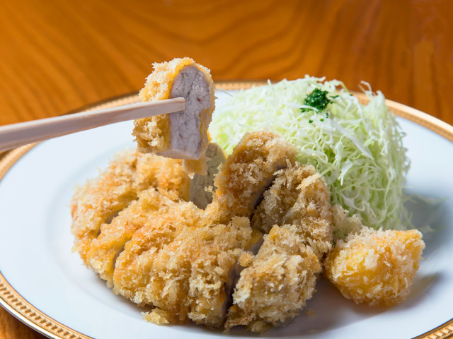 名物「カツレツ」は西洋料理をヒントに、豚肉を天ぷら式に揚げたのがはじまり