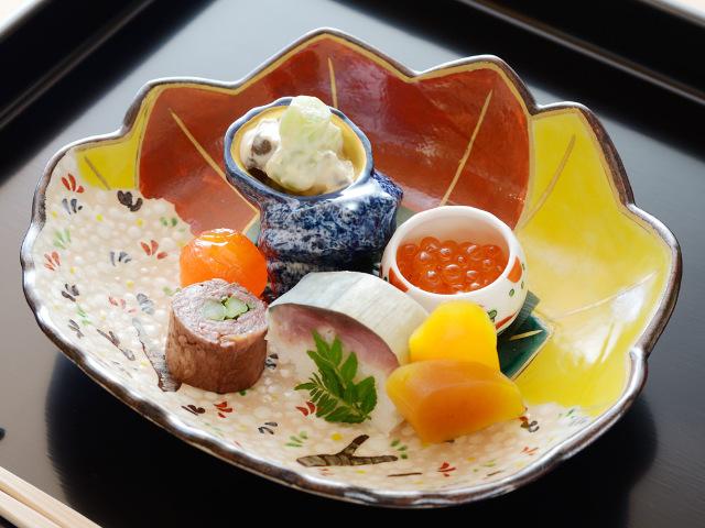 舞妓さんと宴会も、京のお茶屋気分も! 創業155年の老舗京料理屋『わた亀』が移転リニューアル