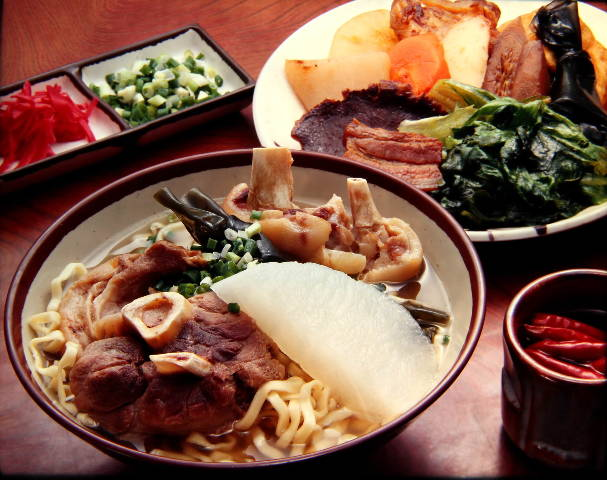 あなたの「沖縄旅行」をもっとおもしろくするレストラン4選