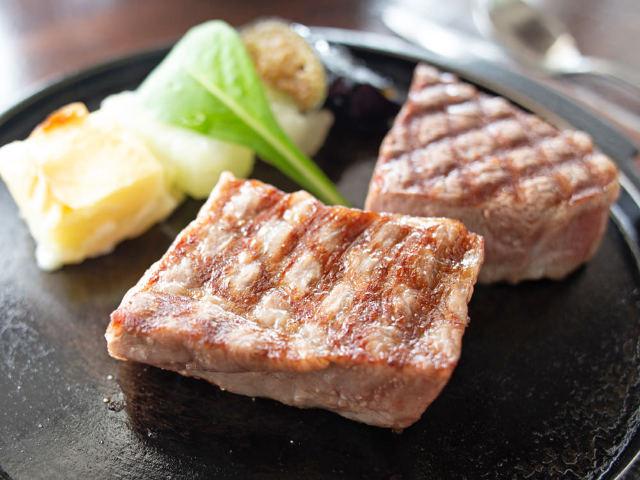 【石垣島】石垣牛といえばここ! 圧倒的な人気を誇るステーキハウス『パポイヤ』