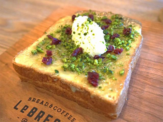 完売続出の食パン! 激戦区大阪で大人気の食パン専門店『レブレッソ』が、ついに東京・武蔵小山に進出