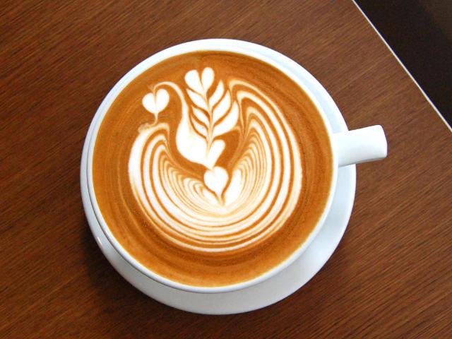世界ラテアーティストの実力がこれだ! 名バリスタが開いた『コネクトコーヒー』はワザもウマさも神レベル