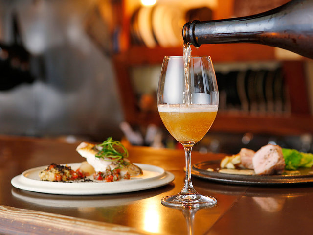 自然派ワイン好きなら一度は行っておきたい、三軒茶屋の外れにあるオアシス的ビストロ『uguisu』