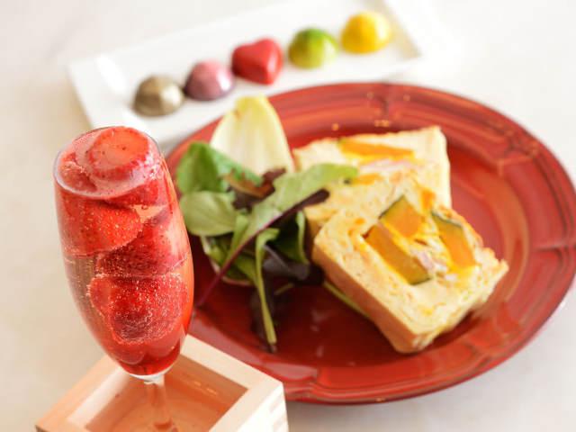 フォトジェニックで美味テイスト! オシャレな「モクテル」が楽しめる「カフェレストラン」3選