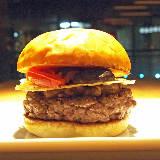 ロサンゼルス発の超人気ハンバーガーレストラン『ウマミバーガー』がついに日本上陸【3/24オープン】