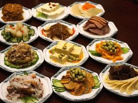 銀座の超人気チャイニーズで食べる見たことも聞いたこともない発酵前菜オールスター!