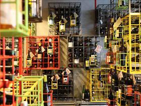 自然派ワインがズラリ400種!まるでワインギャラリーの角打ち『no.501』はアーティストの秘密基地