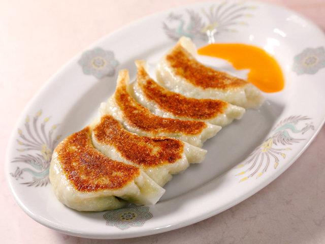 新宿はディープな「餃子」がウマい! 餃子大好き芸人が勧める、個性豊かな本格餃子の店3選
