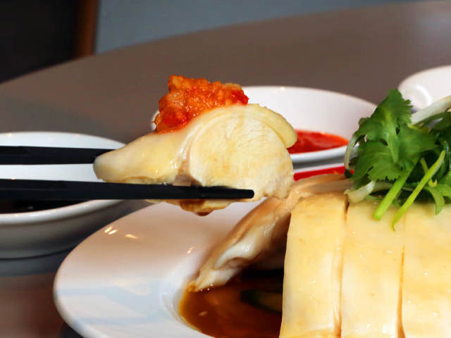 TVで話題沸騰!シンガポールで国賓をもてなすチキンライス(海南鶏飯)とは