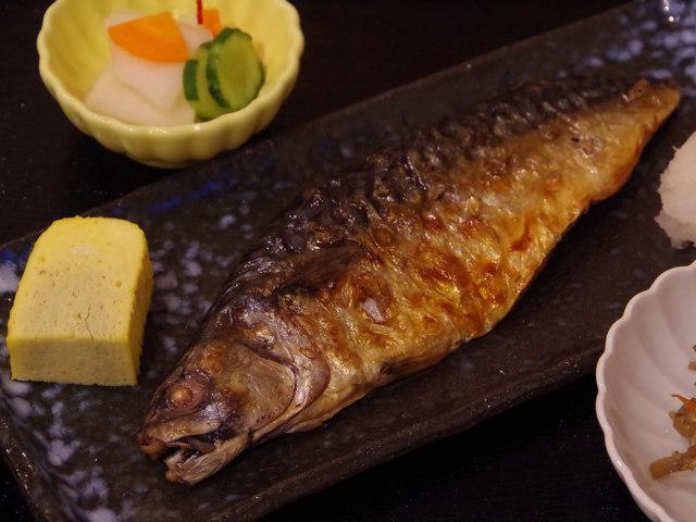 噂の「もの凄い鯖」が札幌に上陸! サバ定食がウマすぎて、客足が絶えない『定食屋 亘』