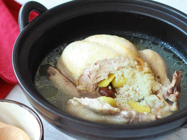 ほったらかしでOK! 炊飯器に入れるだけ、鶏の旨みたっぷり「サムゲタン」の簡単レシピ