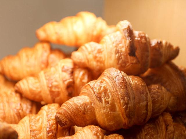 1日200個以上売れる、絶品「クロワッサン」は必食! 『パンと焼き菓子のパパパパーン !』【新丸子】