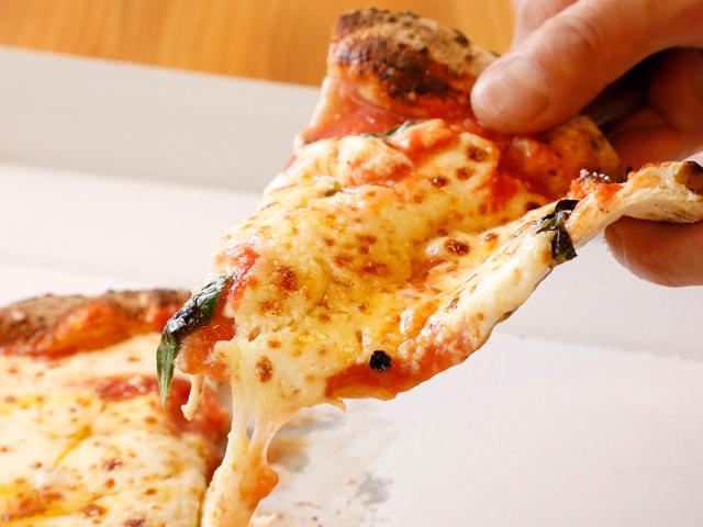 てる モノ に あふれ 世界 ピザ は 欲しい
