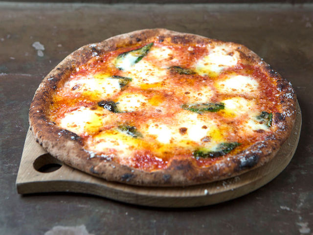 【調布】日本一と称賛されるピッツァをコースで堪能できる『ドン ブラボー』