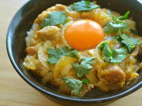 極上のふわとろ感! 濃厚な味わいに箸が止まらない、卵好きのための「究極の親子丼」レシピ