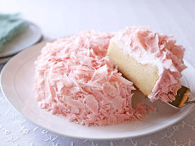 サクラ満開の今こそ作りたい! 口の中でフワッととろける「花びらチーズケーキ」の簡単レシピ