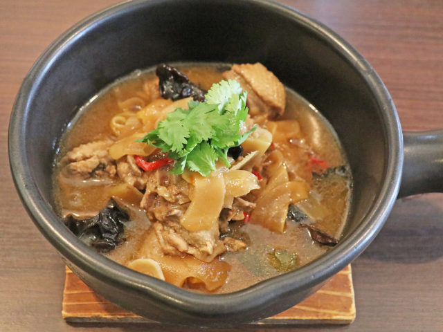 発酵・熟成・ハーブで洗練されたおいしさを! 藤沢『茶馬燕』で中国少数民族料理の神髄を堪能
