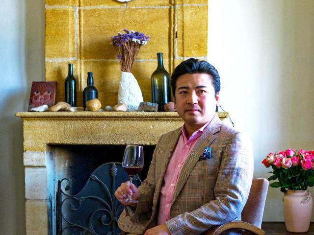 フランス・ボルドーのサンテミリオンの東で日本人醸造家が造る、レアワインの生まれる土壌とメルローの秘密
