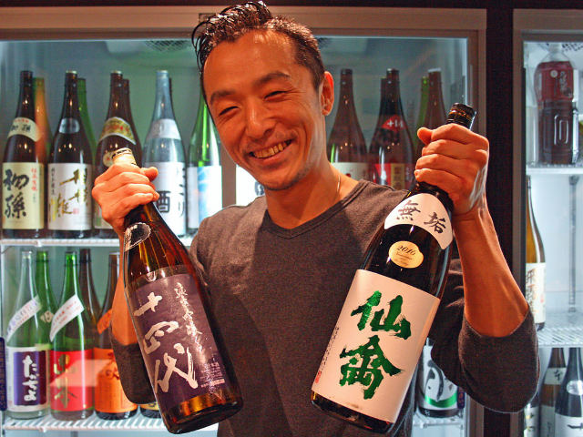 これぞ神コスパ! 日本酒100種が時間無制限3,000円で楽しめる立ち飲み放題を池袋で発見