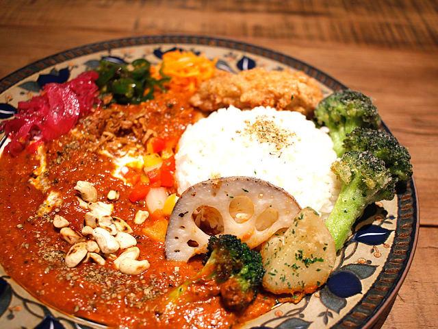 行列のできるスープカレー店の新店に大注目!『三日月カリィ サムライ.』が下北沢に誕生
