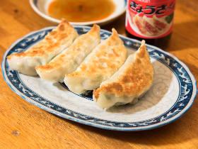 ガツンと香るニンニク餃子が絶品!三軒茶屋にひっそり佇む、激ウマ餃子が名物の『ときわ』は昭和が残す名店