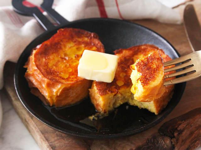 固いフランスパンがふんわりとろ~り! プロ顔負けの「フレンチトースト」を作るためのポイント5つ