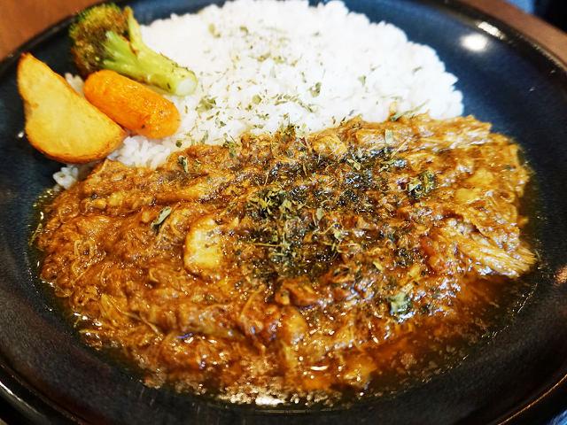 札幌スパイスカレーの名店『エイトカリー』が東京・下北沢に上陸! 個性派カレー3種を実食レポート