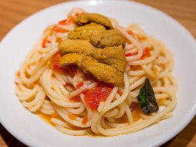 今が旬! 福岡の夜は人気イタリアン『フリッジ』の期間限定裏メニュー「ウニのパスタ」から