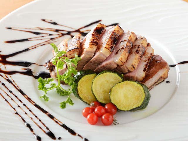 新鮮な鴨が最高にうまい、大阪の人気店『藤乃』が開いた、鴨&蕎麦の創作料理店『フジタ』【福島】