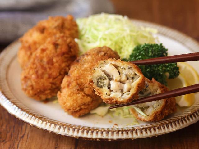 小ぶりの牡蠣でOK! プリッとジューシーな「特大カキフライ」を自宅で簡単に作る裏ワザ【レシピ】