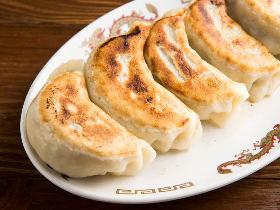 つるっもちっ、のジャンボ餃子が超絶品!『東池袋「大勝軒」本店』はラーメンの神であり餃子の神でもあった