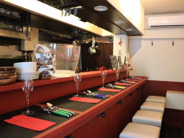 繊細な仕事が感じられるシャルキュトリーをワインと共に。幡ヶ谷『ビストロ スマイユ』