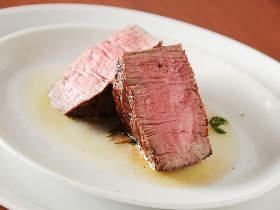 大阪で極上「赤身肉」を食べるならここ! 肉を知り尽くした名店『ラステイクス』の姉妹店