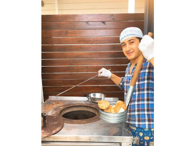 中央アジア出身の店主が本場のレシピで作る中央アジアのパン「ノン」とは
