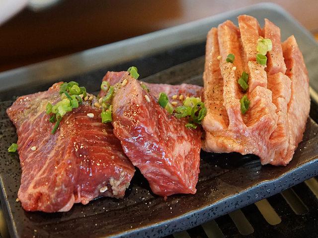 塊肉がドーンッ! うまい、安い、使い勝手がよい、カウンター焼肉『ぼんず』に肉マイスターがやられた
