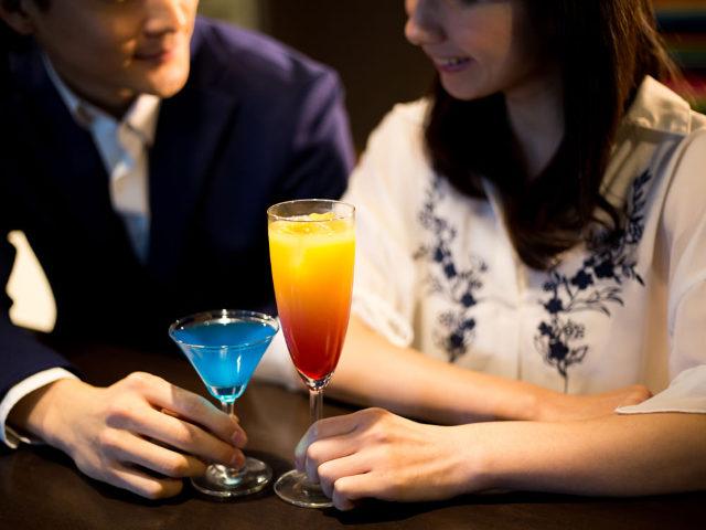 【男女200人調査】こんなお酒を飲んでほしい、あんな酔い方ゆるせない! ロマンチックな夏のお酒とは?