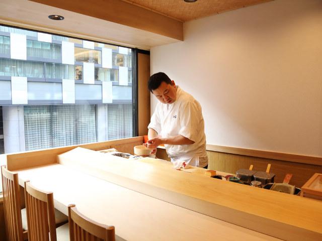 【銀座】老舗仕込みの江戸前寿司が絶品、『銀座 鮨 み富』