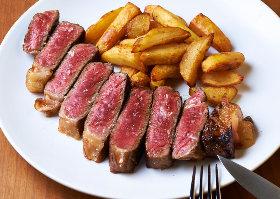 西麻布にパリで大評判の熟成肉ステーキのビストロが世界初の支店をオープン
