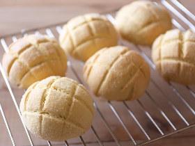 サクふわであま~い「メロンパン」がたった45分で作れる! 発酵なしで簡単「メロンパン」レシピ