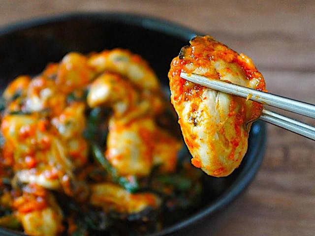 プリップリで辛ウマ!旬の牡蠣を使った自家製「牡蠣キムチ」がおいしくてご飯とお酒が進みすぎる【レシピ】