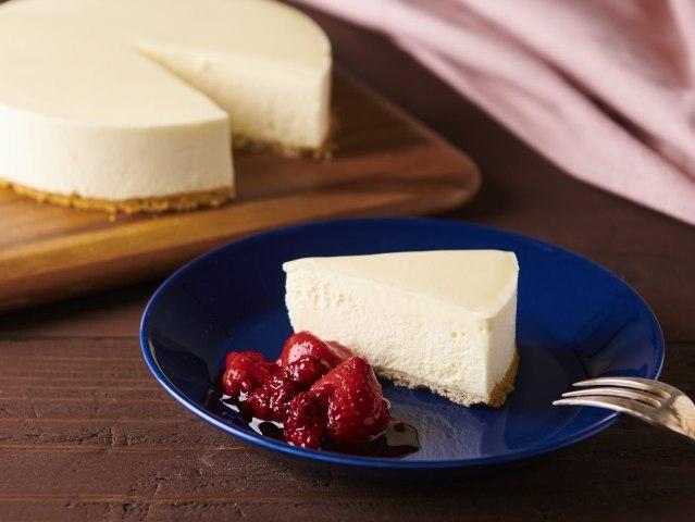 ひと工夫で「レアチーズケーキ」がプロの味に!人気洋菓子研究家が簡単テクニックを大公開【レシピ】
