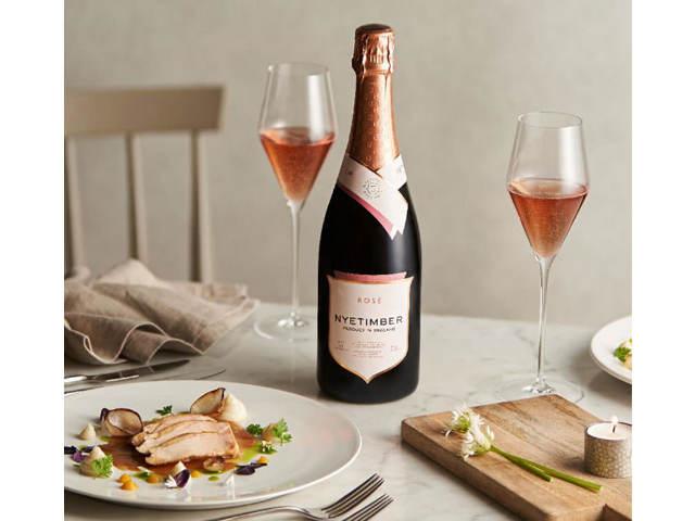 2020年の「注目ワイン」がこれ!ワインナビゲータ―が絶賛、英国『ナイティンバー』&チリ『コノスル』