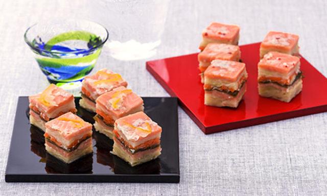 1.サラダ感覚で食べられる「ごちそう漬物」!? 北海道産サーモンとキャベツのミルフィーユ風