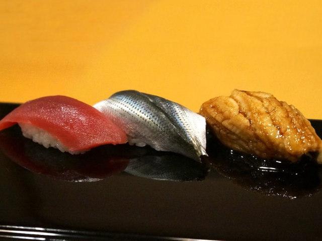 『すきやばし次郎』『コートドール』そして香港へ。マッキー牧元さんが王道レストランを巡った